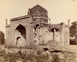 Agra. Chini-ka-Rauza. General view from the south-west 583
